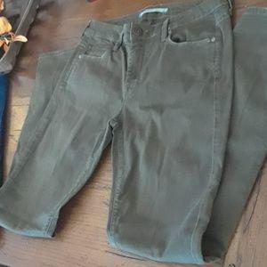 VINCE jeans  olive size 28